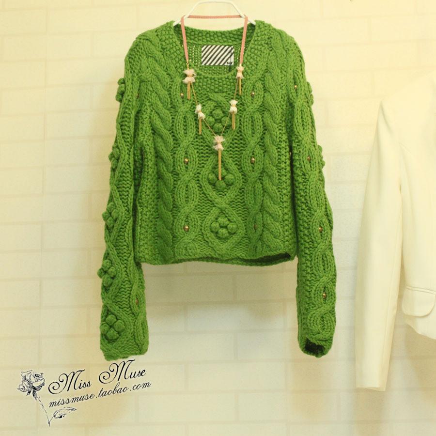 深绿色毛衣搭配图片_深绿色毛衣怎么搭配