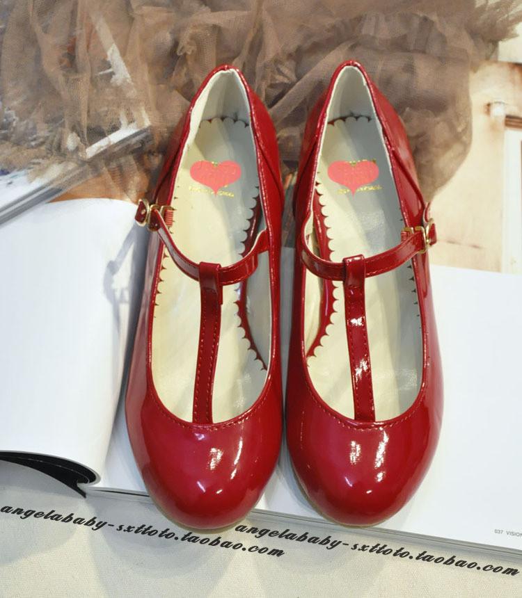 红色坡跟小皮鞋搭配图片