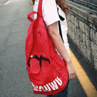 韩版书包双肩女搭配图片