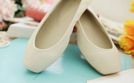 芭蕾鞋裸色搭配图片_芭蕾鞋裸色如何搭配