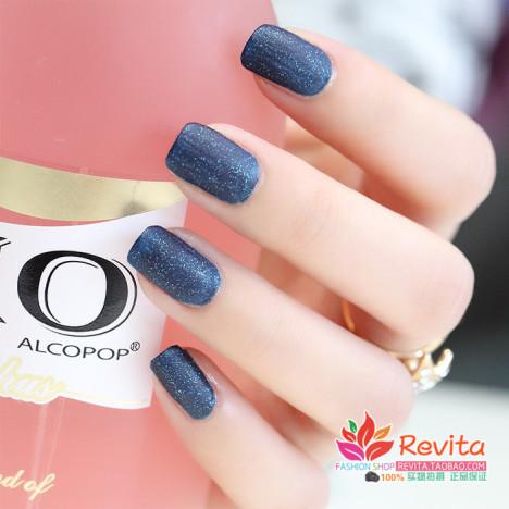 磨砂指甲油蓝色搭配图片