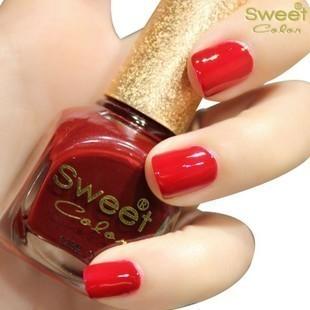 指甲油红色搭配图片_指甲油红色如何搭配