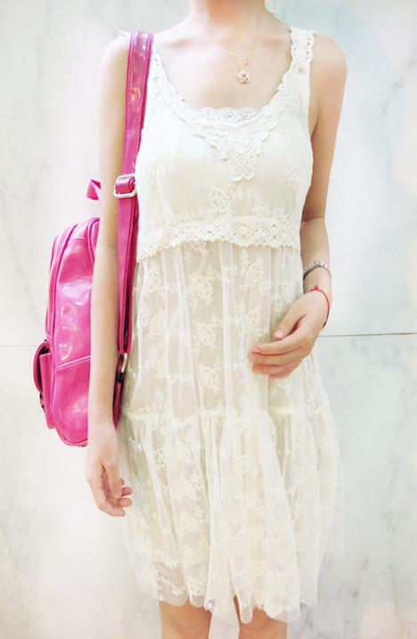 甜美系吊带裙搭配图片