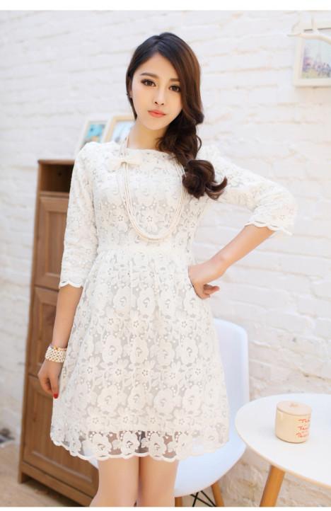 白色连衣裙打底裙春秋搭配图片