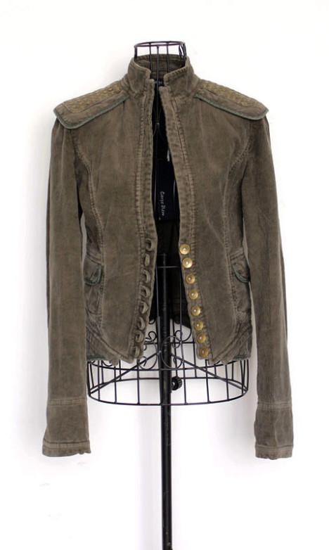 灯芯绒修身西装外套搭配