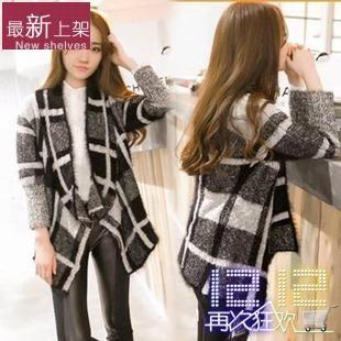 黑白灰格子外套搭配图片