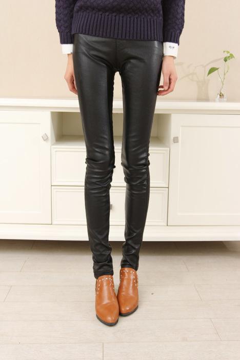 亮皮皮裤搭配图片_亮皮皮裤如何搭配