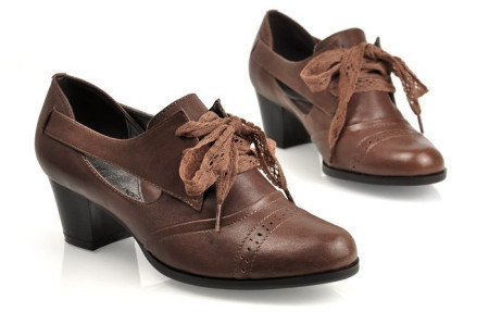 蕾丝系带镂空牛津鞋搭配图片