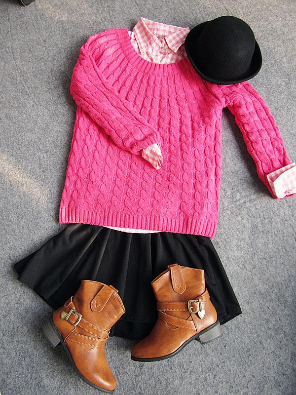 一身算是复古搭吧~枚红色毛衣搭配粉色格子衬衫
