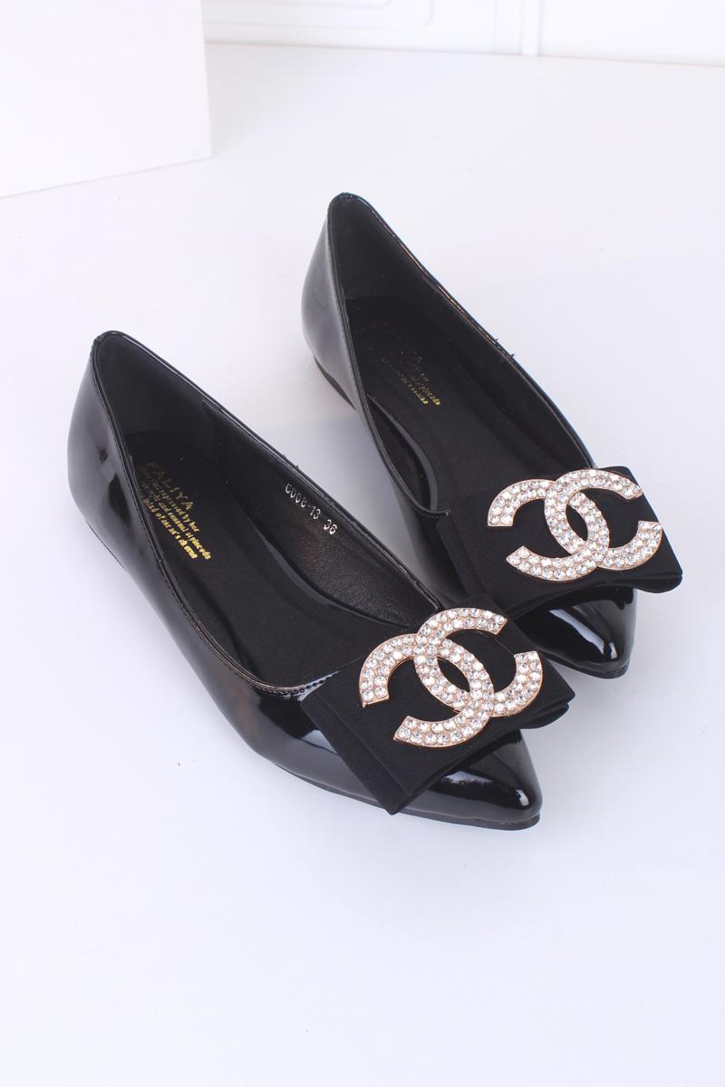 小香风双c尖头水钻平底单鞋