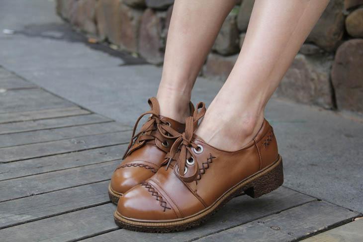 简洁英伦复古女鞋