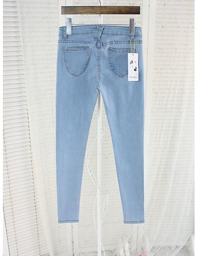 韩版浅蓝色小脚牛仔裤