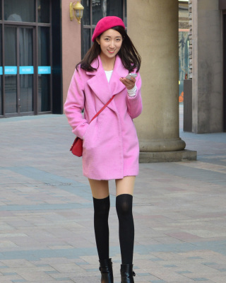 暗粉色西装外套搭配图片
