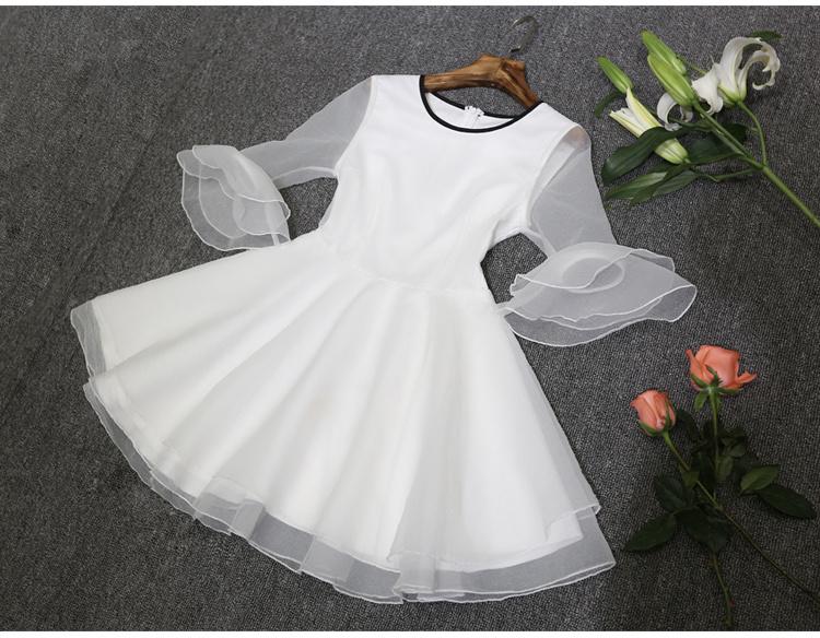 中袖喇叭袖欧根纱连衣裙图片