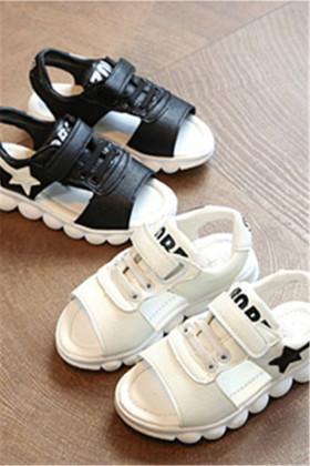 耐克儿童运动鞋女童搭配图片 耐克儿童运动鞋女童怎么搭配 耐克儿童运动鞋女童如何搭配 爱蘑菇街