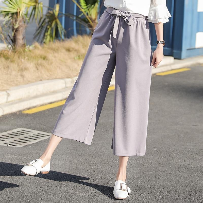 出门穿搭舒适最重要,女孩必拥有的3种宽脚裤,一年四季都能穿!