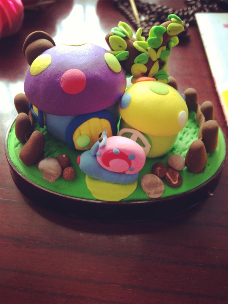 【可爱的草莓屋 蘑菇房~~】-无类目--卖粘土的小壮士