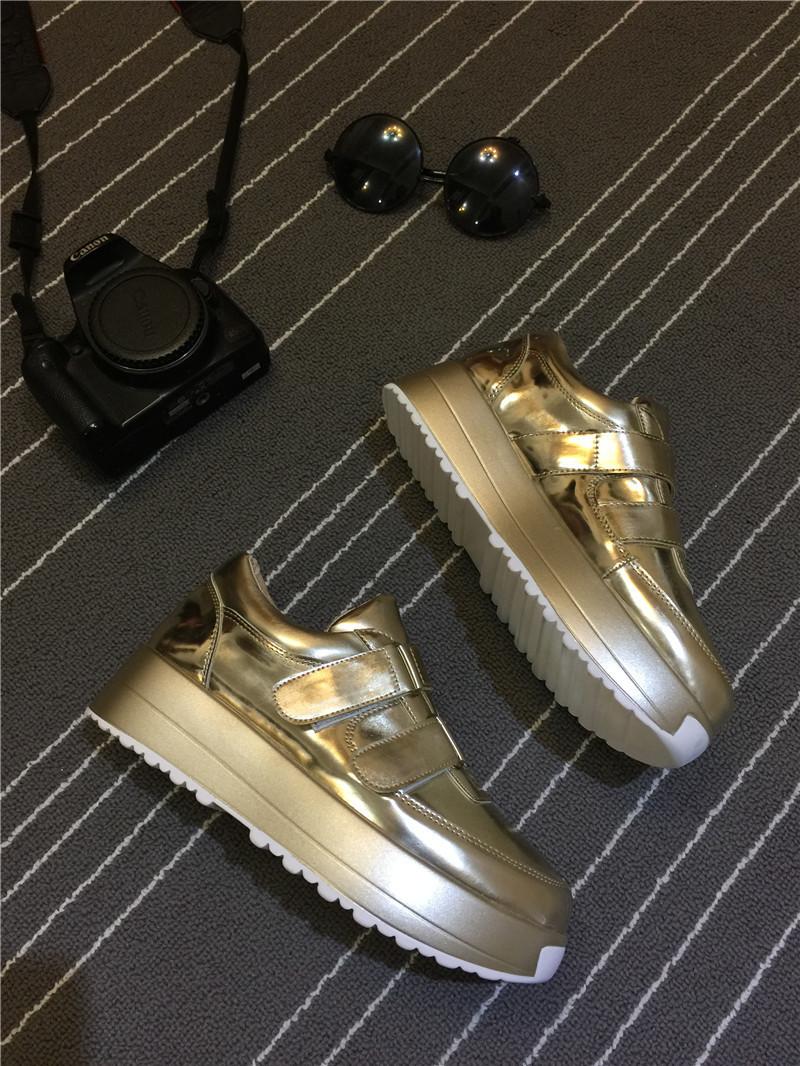欧美金�yil�/&9�)�d)_欧美金银色松糕厚底单鞋