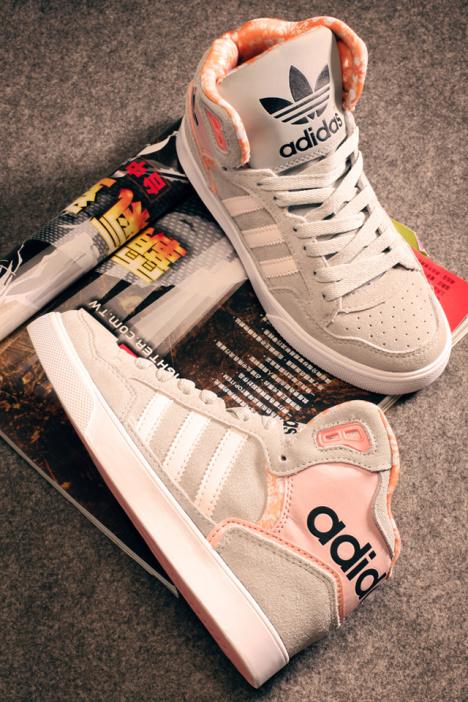 板鞋,阿迪达斯 ,三叶草,三叶草高帮, 高帮运动鞋,高帮板鞋,韩版,新款图片