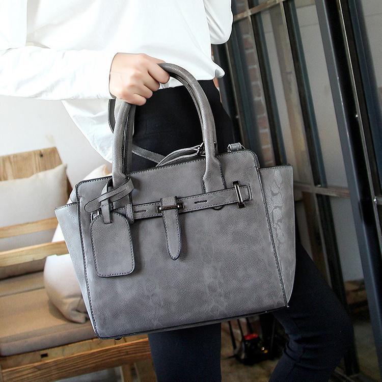 经典时尚款*质感蟒蛇纹通勤手提包