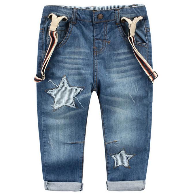 牛仔背带裤  背带可以拆卸  个性的星星图案  经过柔软处理的布料