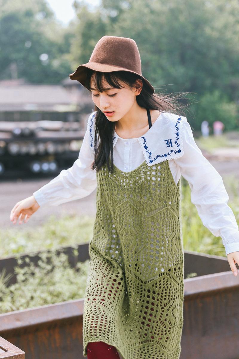 新款女装秋 文艺复古风针织背心裙 镂空宽松毛线吊带裙
