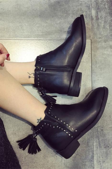 粗跟,欧美,复古,休闲,新款,靴子,女鞋,显瘦,黑色,冬季,圆头鞋,防水台