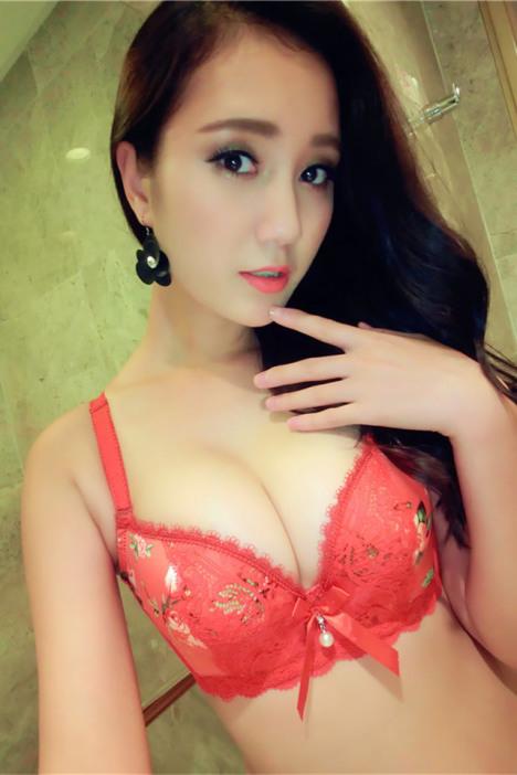 【日系少女花朵性感聚拢蕾丝内衣结婚大红色文胸套装