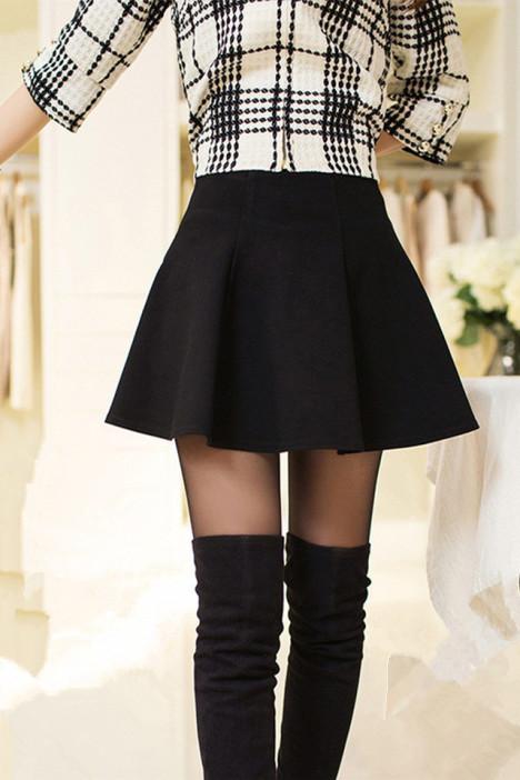 黑色半身蓬蓬裙搭配图片
