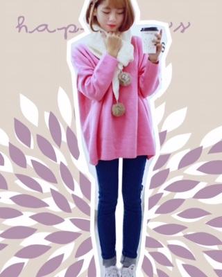 白鞋子白围巾点缀 粉色+蓝色