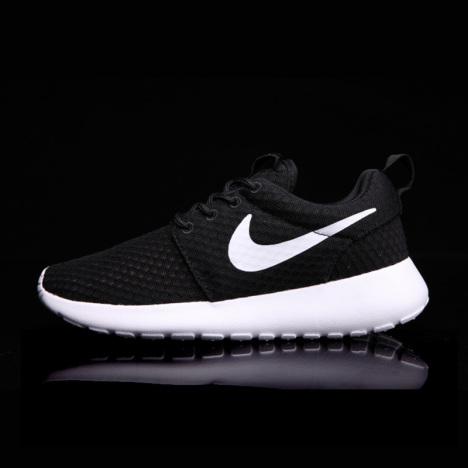 耐克伦敦小跑-无类目 运动户外 跑步鞋 女 运动鞋 名牌量贩店 蘑菇街优