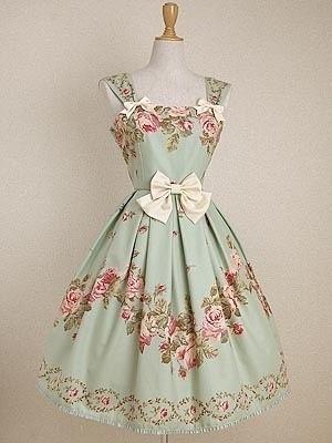 欧式小礼服搭配图片_欧式小礼服如何搭配