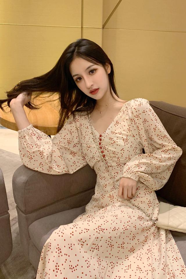 春季新品时尚潮流超仙V领中长款裙子碎花山本连衣裙女长裙女