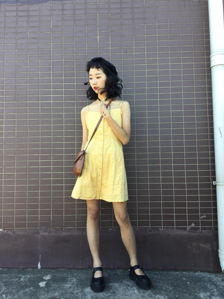 Vol.71 清新简单的鹅黄色连衣裙 真的真的炒鸡可爱 我也超级稀饭呐~挎上棕色甲壳虫小包包~加100分~#十月我居然在穿......#