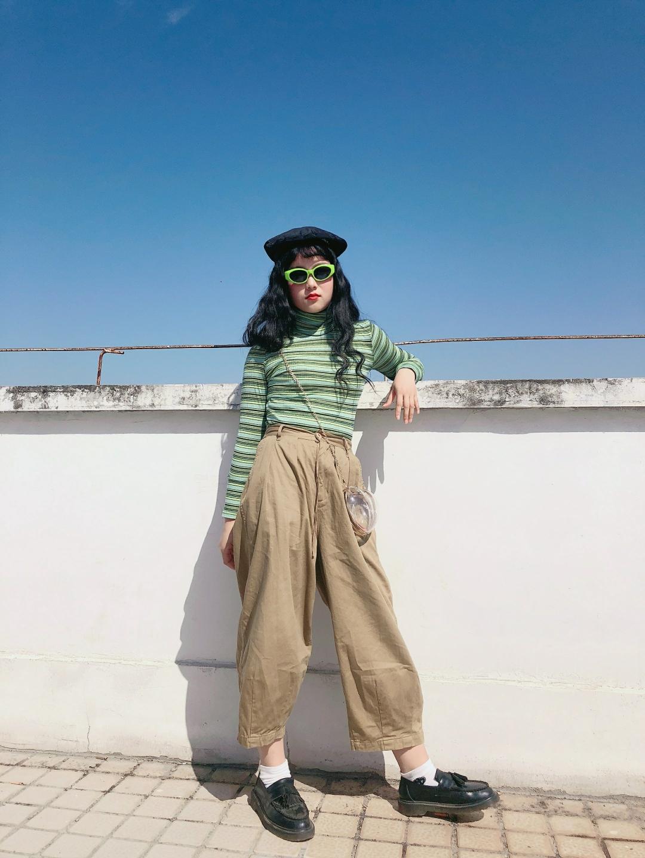 复古墨镜,个性条纹打底衫,再加上亚克力透明小包,是整条街最酷的仔没错了😎️#我的11.11种草清单#