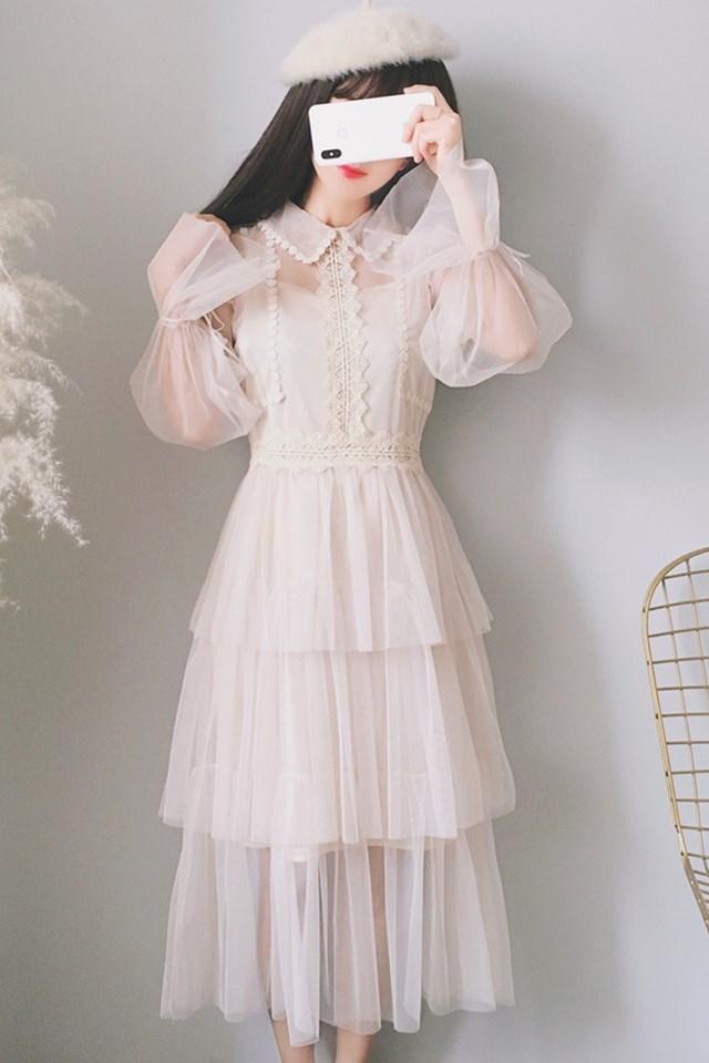 2019春装新款小清新娃娃领蕾丝喇叭袖小心机网纱中长款蛋糕裙仙女连衣裙