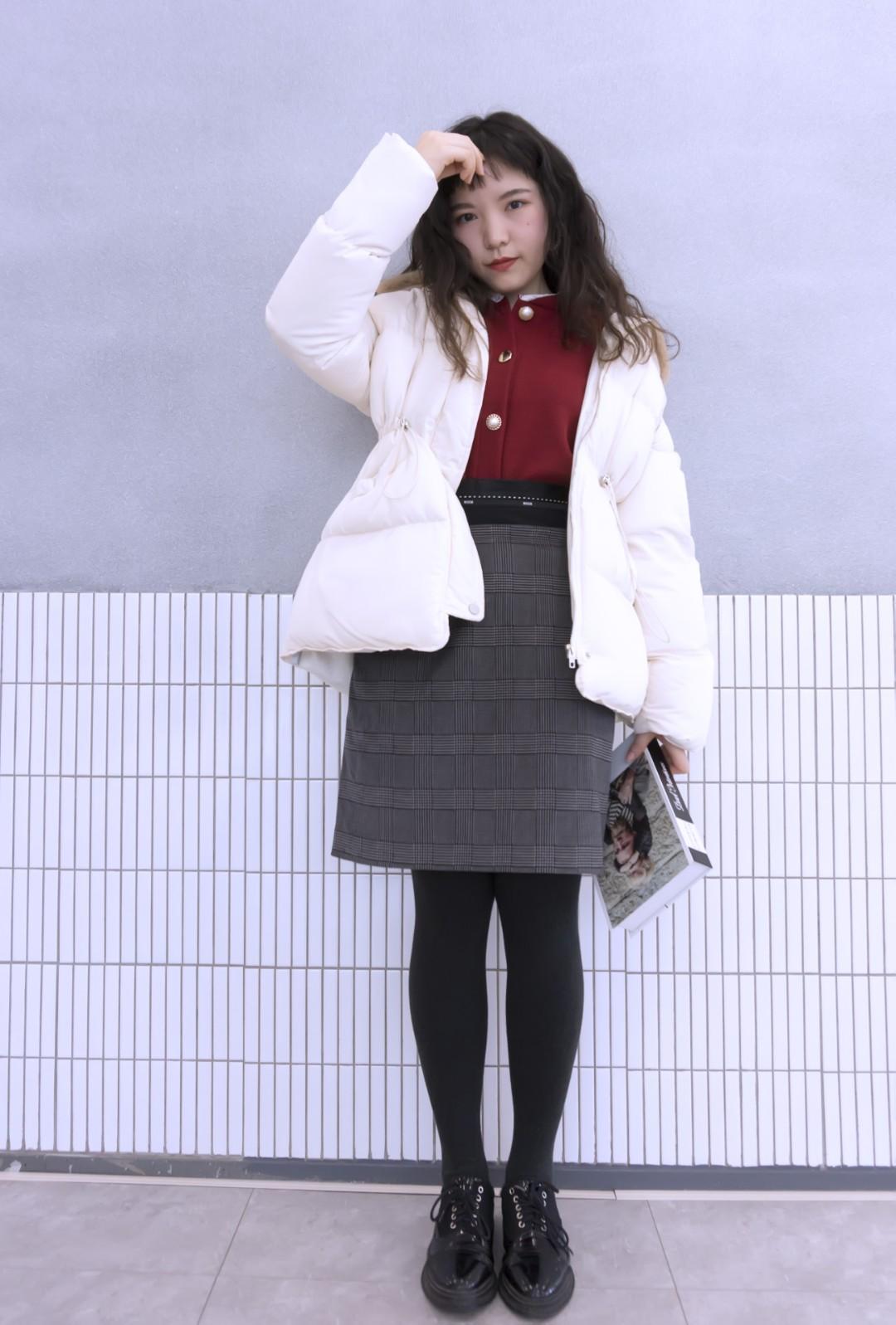 #MOGU STUDIO# 🌞冬天最后一套冬装      白色收腰羽绒服真的超级显瘦      内搭红色薄毛衣和白色刚好有了对比       好看又吸睛 🌟🌟🌟🌟🌟🌟🌟🌟🌟🌟