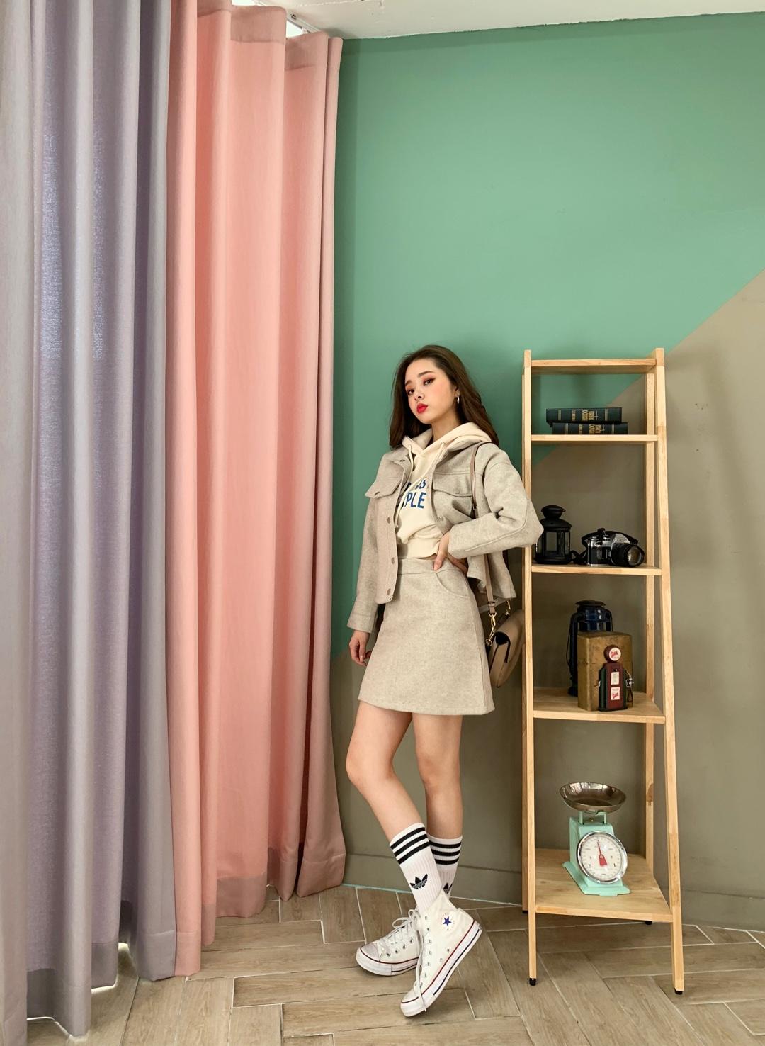 """맨투맨은 미니스커트를 매치하고, 중성풍에 매치, 더 귀여워진다.#我在初春""""裙裙""""欲动#"""