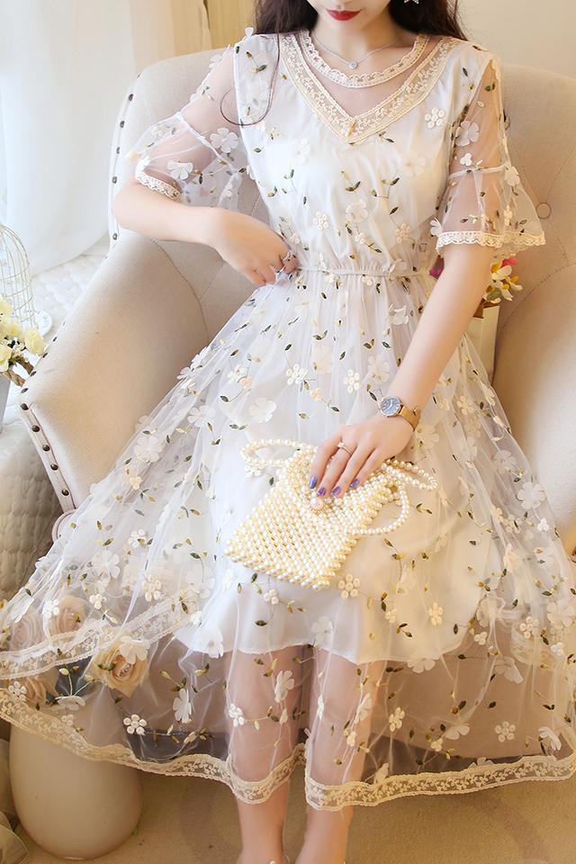 法式仙女风立体花朵刺绣宫廷风网纱蕾丝收腰公主裙高腰短袖连衣裙