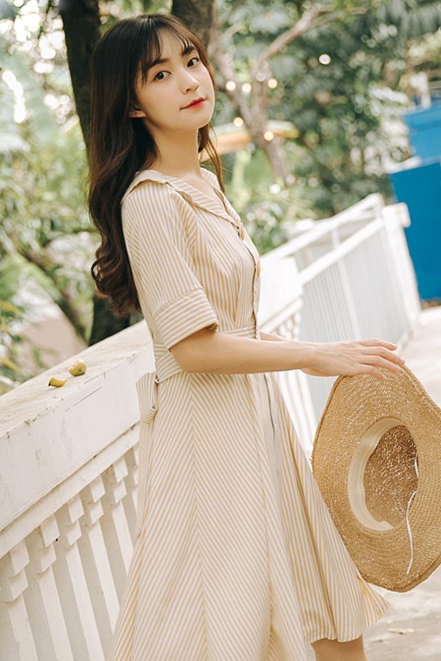 2019夏季新款小清新条纹单排扣连衣裙小个子收腰显瘦衬衫裙女