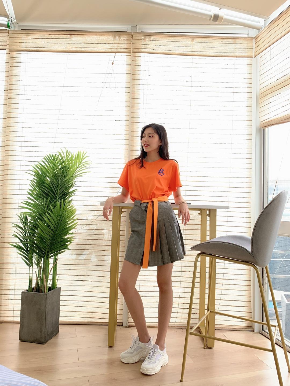 #A字裙XT恤,秒增10公分!#亮橙色穿搭超级吸睛
