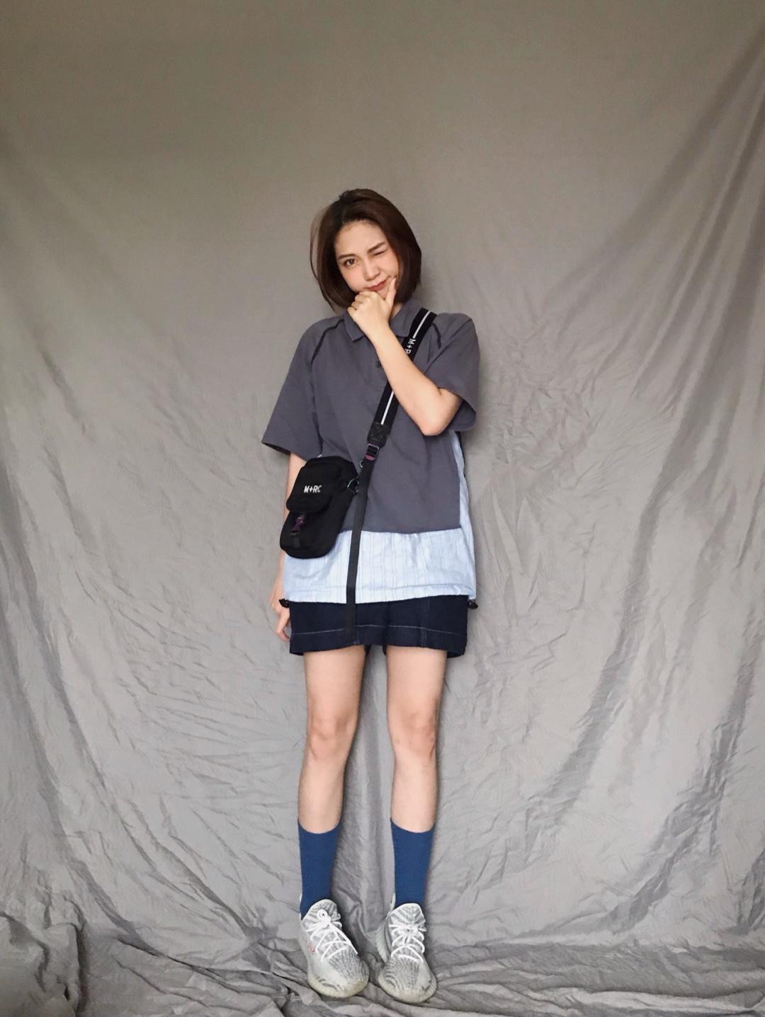 polo衫简约大气 搭配小短裤很俏皮哦 长袜配球鞋活力十足 #520,男朋友希望你这么穿!#