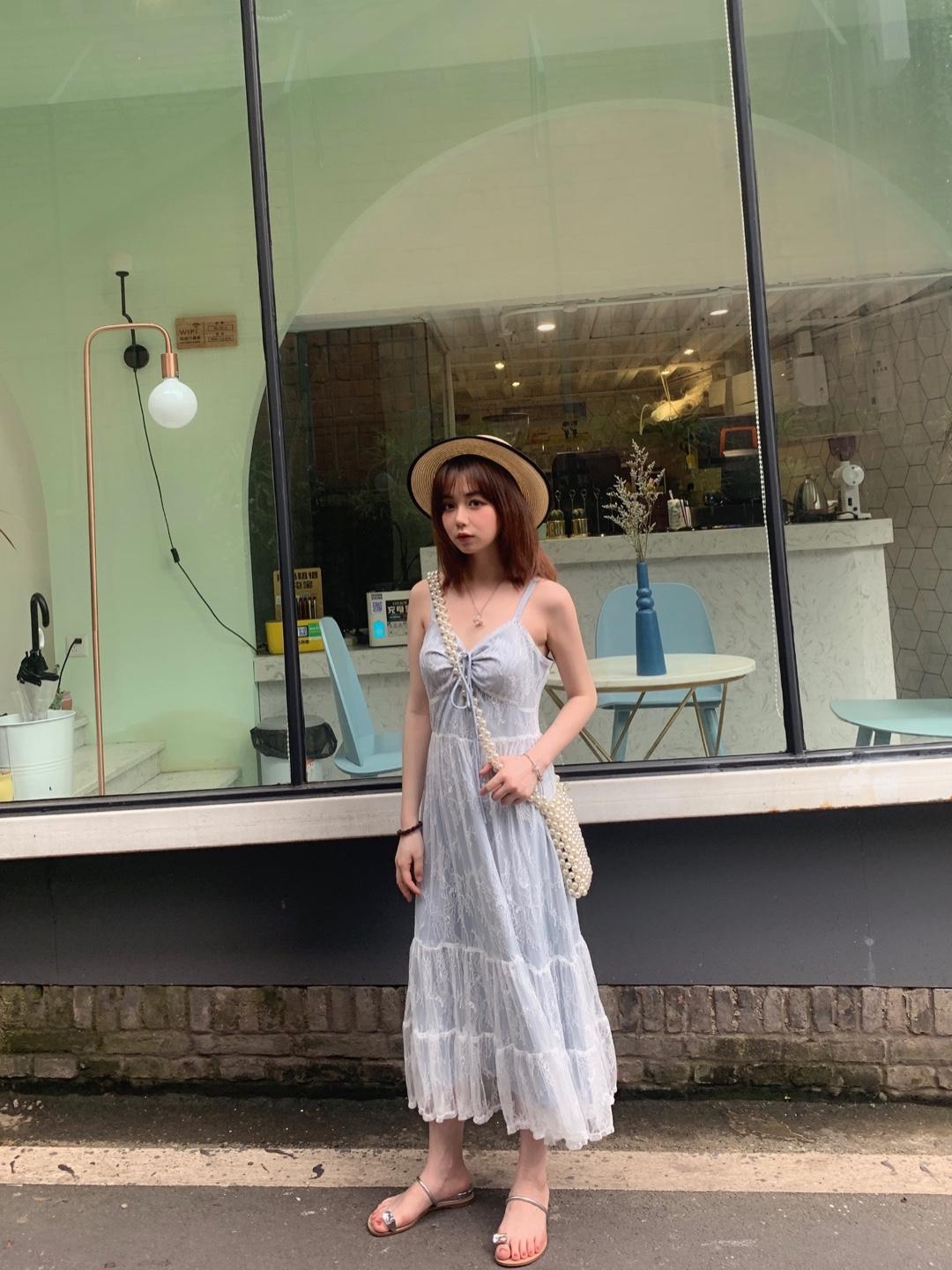 夏天就是要穿的仙里仙气的呀,长裙遮肉显高,怎么能不入一条呢!!搭配上草帽分分钟都在度假!#15s出街大挑战#