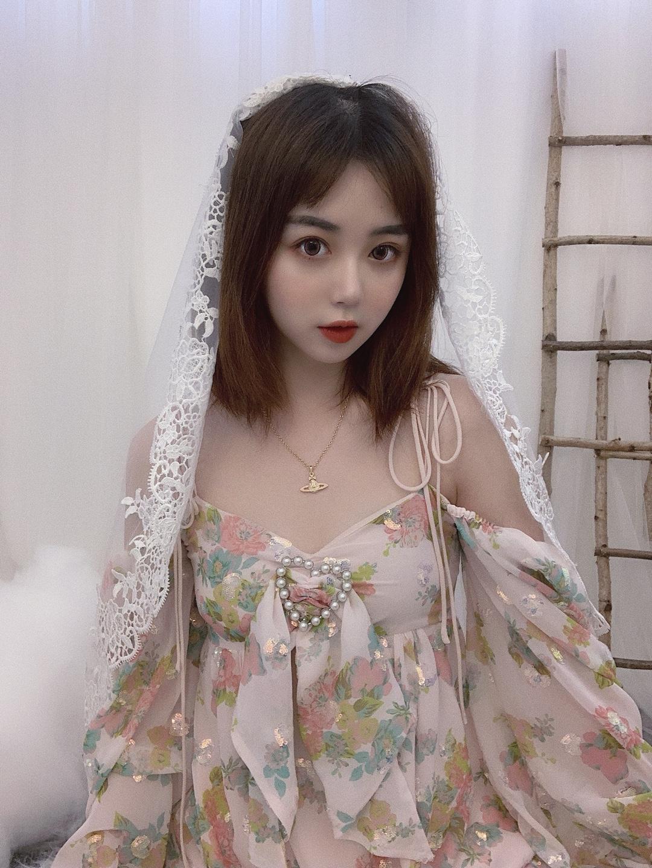 #下凡辛苦了,仙女裙一秒回仙境# 夏天必须拥有一件仙女的衣服啊