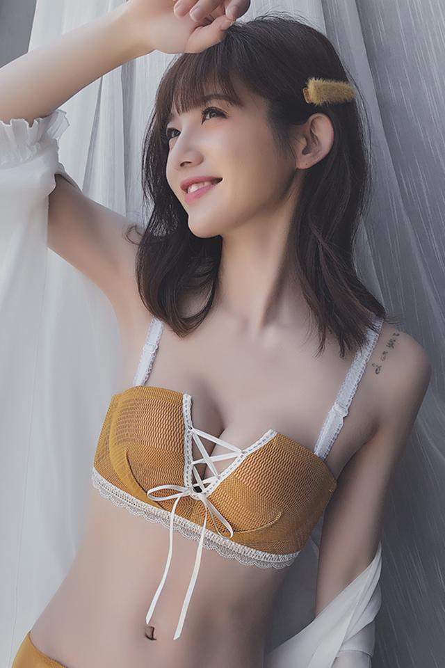 绑带镂空内衣女无钢圈小胸聚拢上托少女性感蕾丝胸罩薄款文胸套装