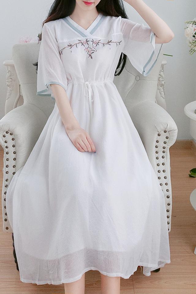 夏季改良汉服新款裙子高腰显瘦喇叭袖小清新中国风少女减龄连衣裙