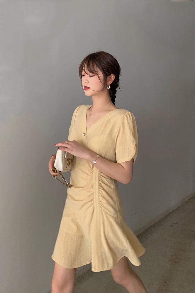 夏季新款流行网红收腰显瘦短裙子女韩版甜美仙女裙V领气质连衣裙