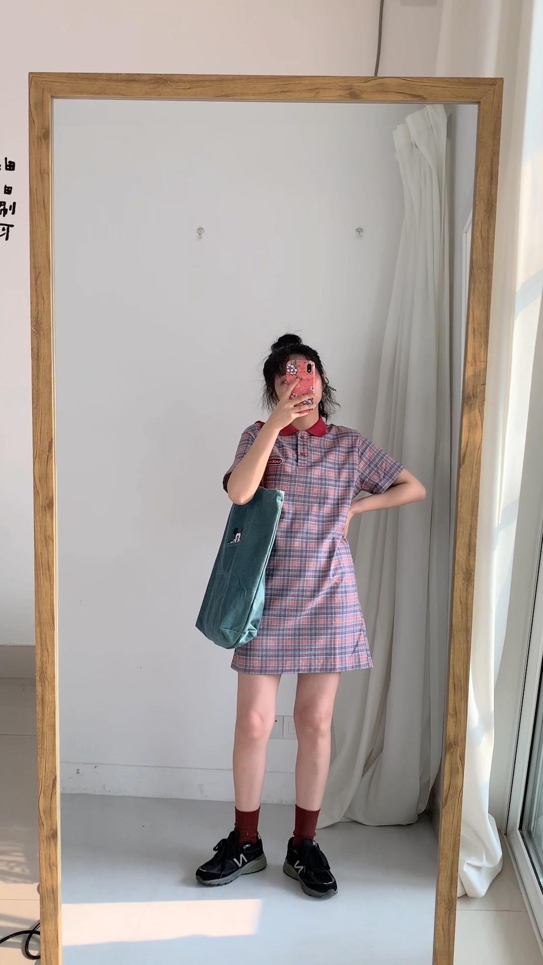 #别慌!肉肉急救穿搭术来啦!#  Polo衫连衣裙减龄必备~关键不挑身材。还没来得及减肥的妹纸选它!