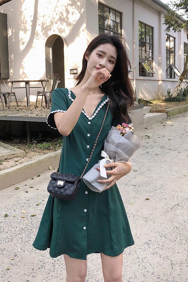 小个子连衣裙女夏2019新款V领法式小众流行复古桔梗裙子少女