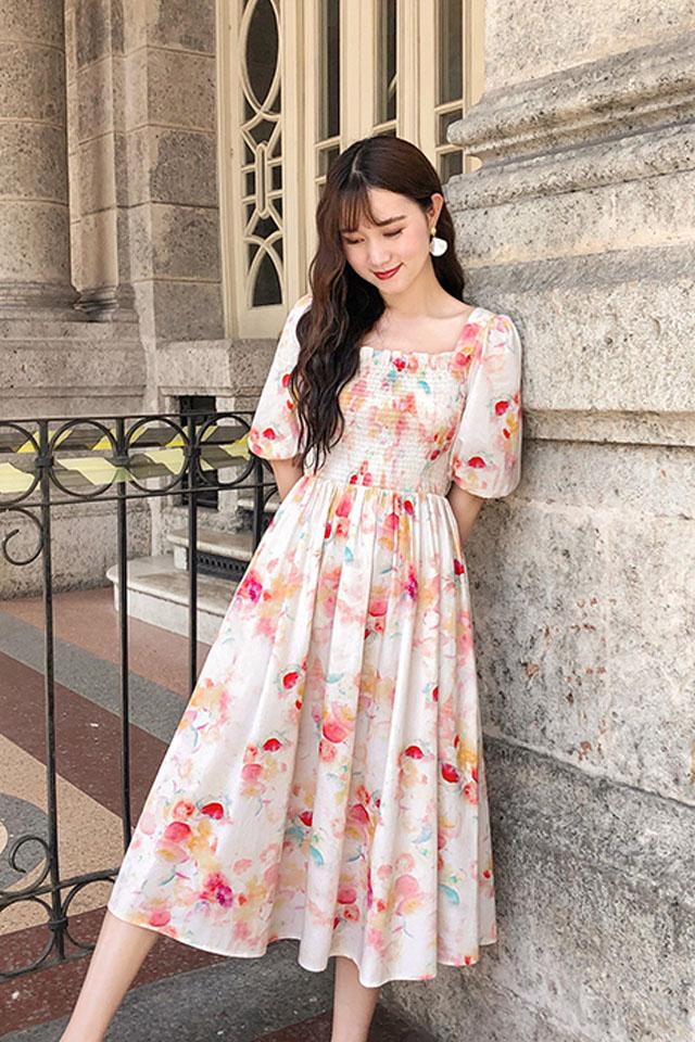 气质连衣裙女2019夏季流行女装式桔梗智熏裙方领泡泡袖连衣裙